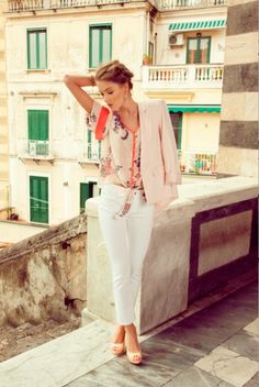 @oasis BLAZER, Wallis PRINT TOP,  Tommy Hilfiger WHITE JEANS, Dunnes SHOES  @Liffey Thorpe Valley Shopping Centre