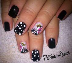 ☺ Black Nail Art, Paws And Claws, Nail Arts, Roxy, Flower Designs, Favors, Nail Designs, Nails, Beauty
