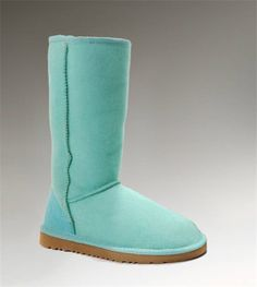 How to clean UGG boots: Keep your favorite UGG boots looking their best with UGG Sheepskin Cleaner and Conditioner. In 5 easy steps* your UGG Classics will be restored to their original look and feel. Ugg Boots Sale, Ugg Boots Cheap, Cheap Uggs, Ugg Classic Tall, Classic Ugg Boots, Ugg Store, Boots Store, Tall Uggs, Navy Boots