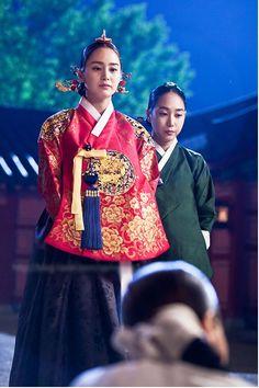 Korean drama [Jang Ok-jung, Living by Love] = 희빈장씨 [Lady Jang Hui-bin] - 김태희(Kim… Korean Hanbok, Korean Dress, Korean Outfits, Korean Traditional Dress, Traditional Outfits, Korean Actresses, Korean Actors, Jang Ok Jung, Kim Tae Hee