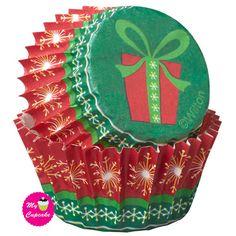 Present Mini Christmas Cupcake Liners Wilton Cake Decorating, Cake Decorating Supplies, Baking Supplies, Pretty Cupcakes, Mini Cupcakes, Baking Supply Store, Wilton Cakes, Paper Cupcake, Cupcake Liners