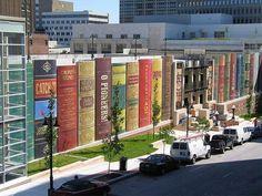 カンザスシティ図書館公共駐車場
