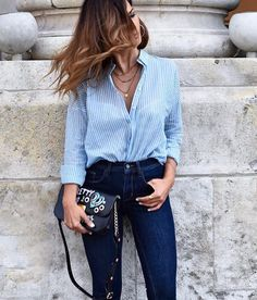 Klasiklerden mavi çizgili gömlek + yüksek bel Jean  Kombin için link profilimizde: @shortstoriesandskirts #inspiration #fashionblogger  #ootd #shirt #jean #denim #outfitoftheday #lookoftheday  #fashion #fashiongram #style #love #beautiful  #lookbook #wiwt #whatiwore #whatiworetoday #ootdshare #outfit #clothes #wiw #fashionista #instastyle  #instafashion #outfitpost #fashionpost #todaysoutfit #fashiondiaries