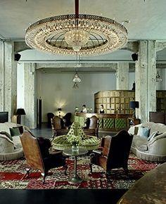 soho house Berlin_ Great chandelier