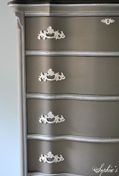 ASCP in Coco and Old White - gorgeous from sophia decor blog  (:))