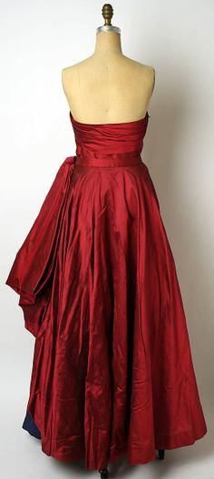 Ball gown Attributed to Jacques Griffe  (French, born 1917)   Designer: Attributed to Edward Molyneux (French (born England), London 1891–1974 Monte Carlo) Date: ca. 1950 Culture: French Medium: silk. Back