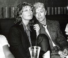 While making the 1983 vampire film The Hunger, Bowie embarked on a relationship with his co-star, Susan Sarandon. He called her 'pure dynamite', and after filming ended they carried on a three-year affair Susan Sarandon, Angela Bowie, Stoner Rock, Tilda Swinton, Celebrity Couples, Celebrity News, Celebrity Photos, Hard Rock, Weekender