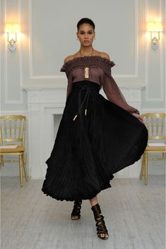 See the complete Juan Carlos Obando Fall 2013 Ready-to-Wear collection.