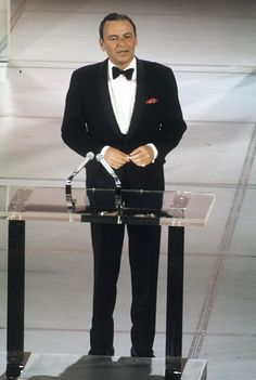 Frank Sinatra at the 1969 Academy Awards. Hooray For Hollywood, Golden Age Of Hollywood, Hollywood Stars, Old Hollywood, Classic Movie Posters, Classic Movies, Franck Sinatra, Joey Bishop, Peter Lawford