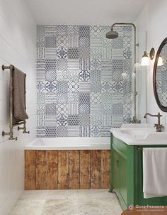 Tiny house bathroom - Looking for small bathroom ideas? Take a look at our pick of the best small bathroom design ideas to inspire you before you start redecorating. Bad Inspiration, Bathroom Inspiration, Small Space Design, Tile Patterns, Beautiful Bathrooms, Bathroom Interior, Vintage Home Decor, Small Bathroom, Bathroom Tiling