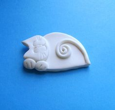 Polymer Clay White Cat Pin Brooch or Magnet by Coloraudia on Etsy, $10.00