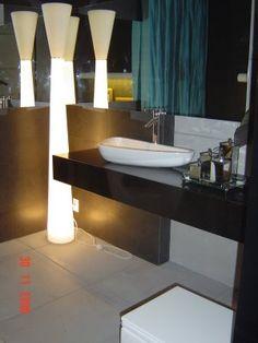 fonte: Casa Claudia  casa.com.br    BANHEIROS   BANHEIROS CHEIOS DE ESTILO    Contemporâneos, estes ambientes mostram as tendências de acaba...