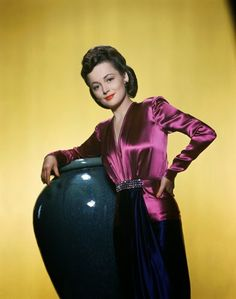 Vintage Glamour Girls: Olivia De Havilland