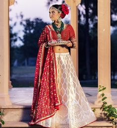 There couldn't be a more perfect blending of traditional and #contemporary design than this #silk lehenga Designer: unknown #bridal #saree #red #desibride #coimbatore #tamil #telegu #indian #shaadibazaar #wedding #indianwedding