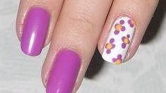 Decoración de uñas con flores