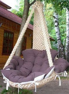 No pattern and in Russian, but I dig the chair. Macrame Hanging Chair, Macrame Chairs, Diy Furniture, Furniture Design, Interior Decorating, Interior Design, Swinging Chair, New Room, Diy Home Decor