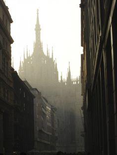 Long Weekend in Milan | Urban Travel Blog The Duomo peeking through the fog