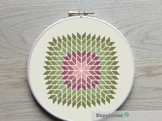 geometric cross stitch pattern giant snowflake por Happinesst