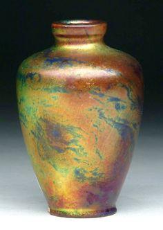 Zsolnay labrador váza