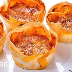 Mini lasagna using a muffin tray… Mini Lasagne, Tapas, Yummy Drinks, Yummy Food, Delicious Recipes, Quiche, Diner Recipes, High Tea, Appetizer Recipes