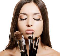 ¿Es necesario aplicar pre base para el rostro? Checa este interesante artículo. #BeBeautiful#BeWell #HairAndMakeup #TheTaiSpa