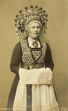 Early Norwegian Real Photo Postcards Traditional Folkloric Bunad Brides with Headdress from Hardanger & Voss Norwegian Clothing, Norwegian Fashion, Old Portraits, National Portrait Gallery, Bridal Crown, Folk Costume, Photo Postcards, Historical Clothing, World Cultures