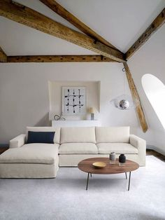 living room ideas minimalist cozy white rooms Hermes, Sitting Cushion, White Rooms, Upholstery, Minimalist, Cushions, Lounge, Cozy, Living Room