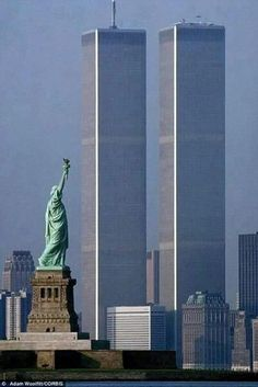 Great photo of the Twin Towers #NYC