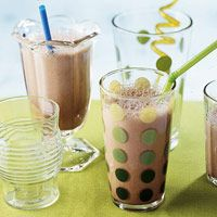 Chocolate-Banana Sipper ~ 23 carb grams. Great for after a workout! Freeze banana ahead of time to make this one quick!