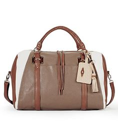 Absolutely love this Elliott Lucca duffel. Wish there was a satchel size for everyday. Keeping my eye out
