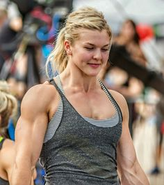Brooke Ence, crossfit competitor a/ka she's married and has a wife. Motivation Crossfit, Crossfit Men, Crossfit Athletes, Crossfit Inspiration, Fitness Inspiration, Workout Inspiration, Nutrition Crossfit, Brooke Ence, Muscular Women