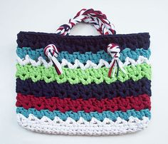 T Shirt Yarn Purse / Bag  - Free Pattern