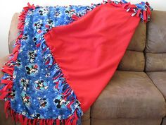 Momma's Playground: No Sew Fleece Mickey Mouse Blanket