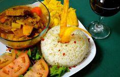¡Sabor a caldero y a mar! En este espacio de Ponce hallarás la sazón criolla: http://www.sal.pr/2015/12/03/sabor-a-caldero-y-a-mar/ #PuertoRicoEsRico