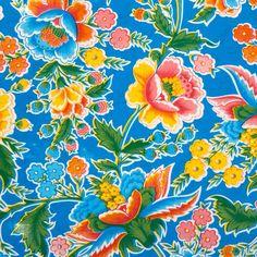 Mexicaans tafelzeil Fantasia Blauw - Mexicaans tafelzeil fantasia blauw met fleurige bloemen zoals bijvoorbeeld klaprozen. Het tafelzeil van Kitsch kitchen is oerdegelijk en is dus ideaal geschikt om mee te knutselen. Maar natuurlijk ook perfect als tafelkleed op de keukentafel! Te bestellen vanaf 50 centimeter.