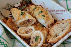 Stuffed baked calamari easy and tasty recipe for a light second course. Calamari Recipes, Fish Recipes, Seafood Recipes, Vegan Recipes, Cooking Recipes, Dinner For 2, Dinner Ideas, Appetizer Dips, Fish Dishes