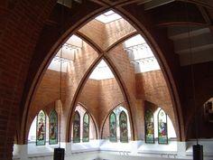 Prado sur, Miguel Hidalgo | Mapio.net Church Architecture, Religious Architecture, Space Architecture, Amazing Architecture, Contemporary Architecture, Architecture Details, Building Exterior, Brick Building, Building Design