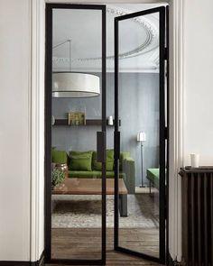 A green sofa for a gray apartment Un canapé vert pour un appartement gris Interior Design Minimalist, Green Sofa, Steel Doors, Windows And Doors, Interior Inspiration, Interior Architecture, New Homes, House Design, Home Decor