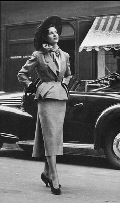 1949 Small two-piece from Dior's Spring  collection in grey pepper-and-salt