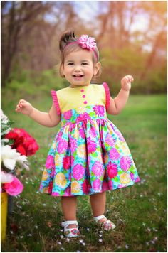 Frocks For Girls, Kids Frocks, African Dresses For Kids, Little Girl Dresses, Fashion Kids, Fashion Clothes, Baby Dress Design, Baby Frocks Designs, Baby Dress Patterns