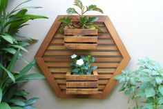 Imagem relacionada [] #<br/> # #Wooden #Planters,<br/> # #Planter #Boxes,<br/> # #Wood #Vase,<br/> # #Indoor #Gardening,<br/> # #Diy #Art,<br/> # #Dream #Garden,<br/> # #Coffee #Shop,<br/> # #Woodwork,<br/> # #Balcony<br/>