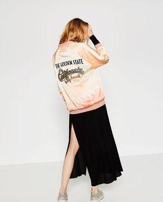 Imatge 4 de PATCH PRINT BOMBER JACKET de Zara