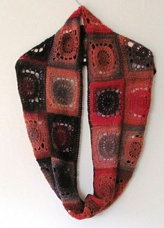 """Ravelry: """"Sun-squares"""" neck warmer pattern by Pia Lindén"""