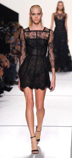 The elegant show of Elie Saab in Paris | FASHIONMG-STYLE