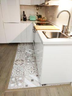180 Best Kitchen Floor Mats Images In 2020 Rubber Floor Mats, Rubber Flooring, Teal Kitchen Curtains, Rustic Kitchen, Kitchen Decor, Best Flooring For Kitchen, Kitchen Designs Photos, Loft Design, Kitchen Tiles
