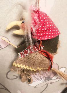 Баба-Яга Текстильная Ягулька – купить в интернет-магазине на Ярмарке Мастеров с доставкой - GLWNPRU   Москва Halloween Home Decor, Halloween House, Halloween Gifts, Scary Witch, Holiday Crafts, Holiday Decor, Witch Decor, Baba Yaga, Coffee Crafts