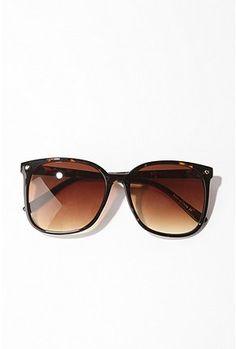 cute! love over-sized sunglasses