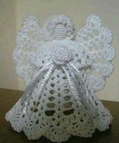 Best 12 Learn to knit and Crochet with Jeanette: Angel chrismas decoration Crochet Christmas Decorations, Christmas Angel Ornaments, Crochet Ornaments, Holiday Crochet, Crochet Snowflakes, Crochet Decoration, Christmas Christmas, Crochet Tree, Crochet Angels