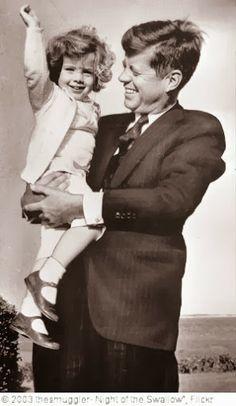 Caroline Kennedy and Jfk Boston Caroline Kennedy, Jackie Kennedy, Les Kennedy, Sweet Caroline, Jaqueline Kennedy, Robert Kennedy, Greatest Presidents, American Presidents, Us Presidents