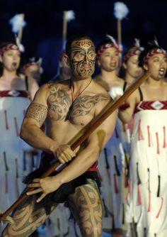 Maori Ta Moko tattoo art is making a resurgence; visit Rotorua, the heartland of the Maori culture, while you locum in New Zealand Maori Tattoos, Ta Moko Tattoo, Hawaiianisches Tattoo, Tattoo Motive, Samoan Tattoo, Back Tattoo, Tribal Tattoos, Tattoo Cafe, Borneo Tattoos